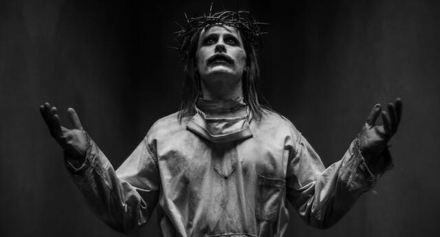 Un terrorífico y demacrado Joker buscando asemejarse a Jesucristo es la imagen más llamativa de este nuevo reel de Justice League: Snyder Cut./Fuente: Vanity Fair/Zack Snyder.