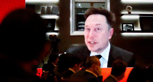Elon Musk quiere mantener su buena relación con China y ha solicitado la confianza de sus autoridades respecto a la prohibición de los autos Tesla en instalaciones militares del país./Fuente: Reuters.